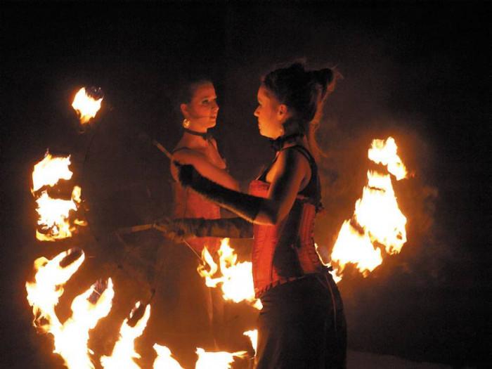 Teatr z płomieni | Polska Gniew
