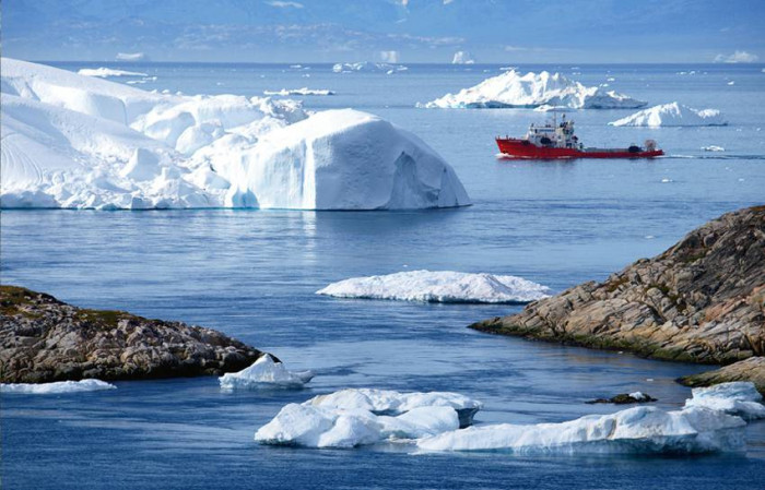 LODY ŻEGLUJĄCE / Grenlandia